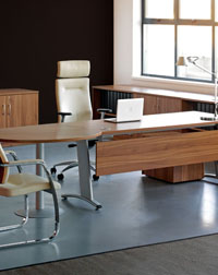 The DNA Desk and VIB Seating from Verco is perfect for any office space